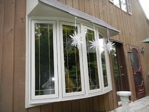 Photo: Exterior of Bow Window with Prairie Grids