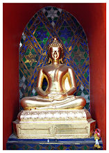 Photo: Alcove Buddha  Not much to add about this shot. The golden Buddha was sitting perfectly framed in its red alcove. The light was just in the right place for me with hardly anything in shadow. All I had to do was point and take the shot.