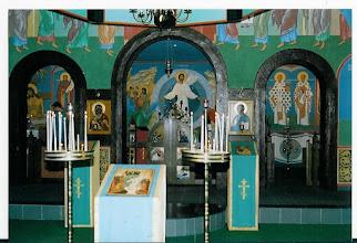 Photo: zicht op het heiligdom met de Verrezen Christus