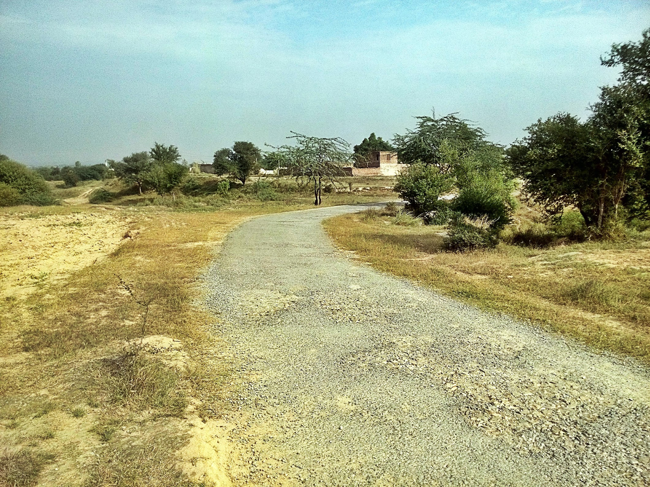 Road to Takhti Rajgan