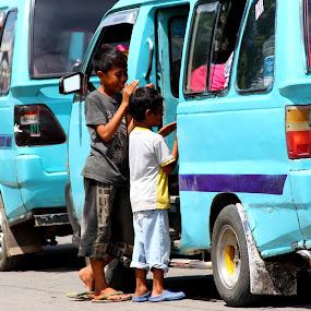 Singing beggar by Travis Borland - Babies & Children Children Candids ( makassar, indonesia, street, kids )