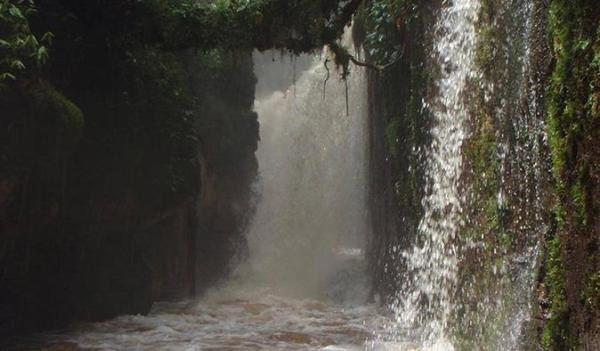 Queda de água amazónica em Manaus
