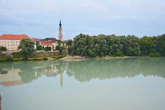 Photo: Braunau am Inn. Wieża kościoła ma 99 metrów.