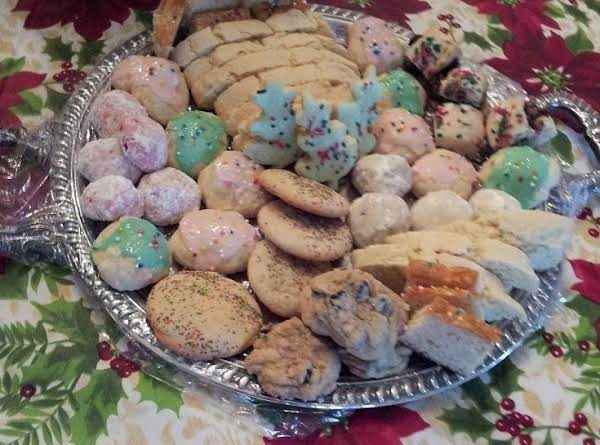 The Napoli Cookies Are 2 Up From The Chocolate Chip On The Left They Are Pink And Green With Sprinkles On Them..