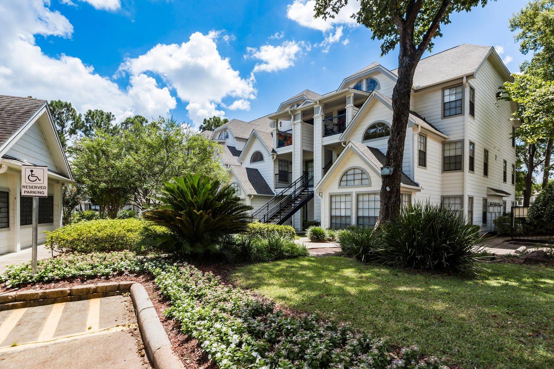 The Grove At White Oak Apartments In Houston Texas
