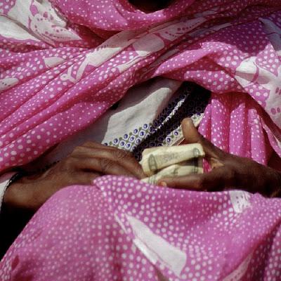 mani nel rosa di bennardo