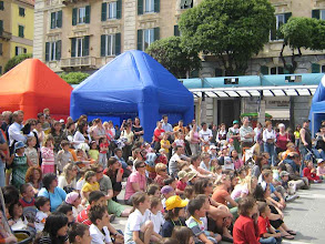 Photo: Il pubblico in piazza a Savona