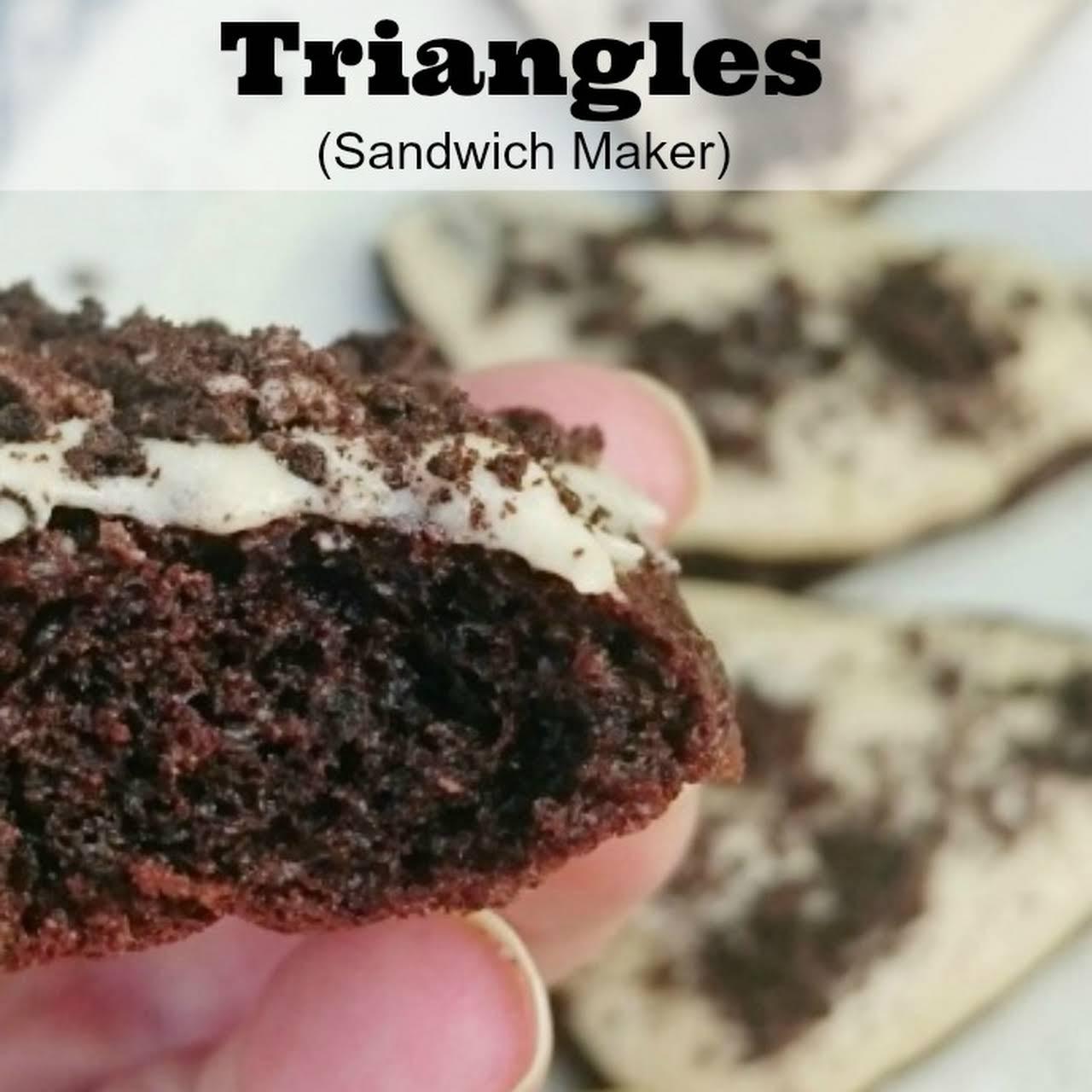 Oreo Cake Triangles (Sandwich Maker)
