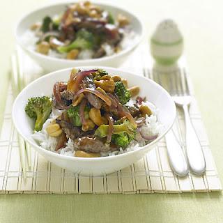 Stir-fried Beef With Cashews And Broccoli.