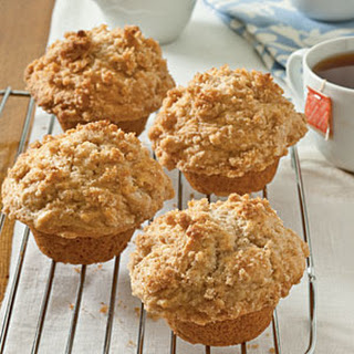 Applesauce Muffins with Cinnamon Streusel Topping.