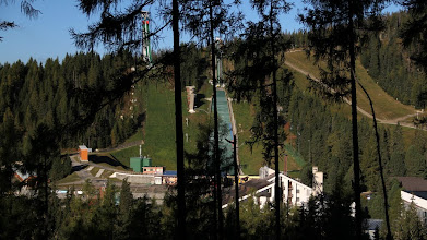 Photo: Kompleks skoczni narciarskich K 120 (nieczynna) oraz K 90. Tutaj odbyły się w 1970 r. Mistrzostwa Świata w skokach.