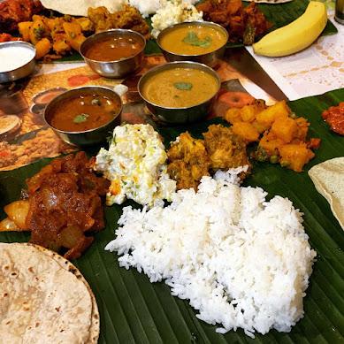 【魅惑グルメ】おそらく東京でいちばん本格的な南インド料理が食べられる / 南印度ダイニング「素手で食べる」