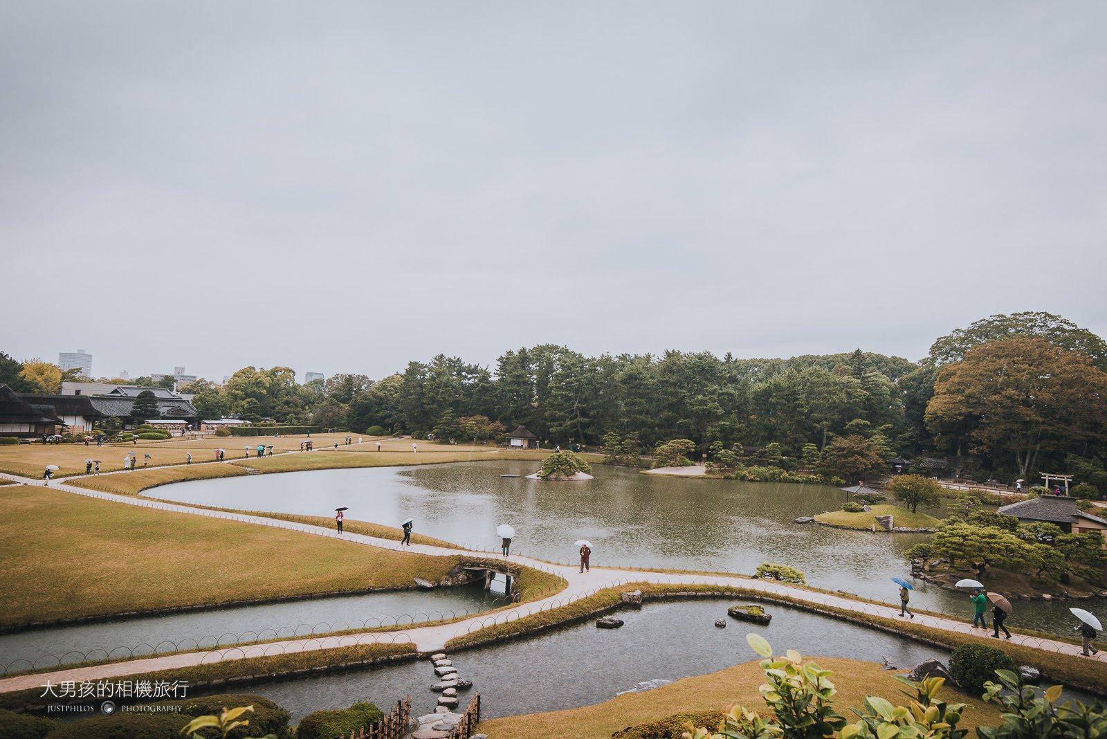 登上岡山後樂園的制高點「唯心山」一覽園區景色。