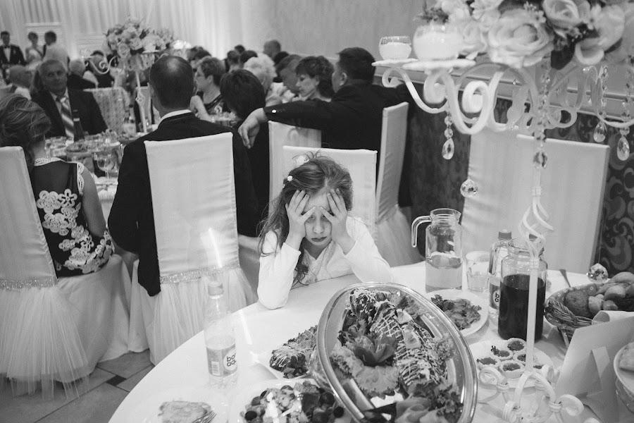 Wedding photographer Pavel Nenartovich (nenik83). Photo of 24.06.2015
