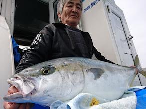 Photo: お約束の「ヒザ乗せ!」 古賀さん、おめでとうございます!