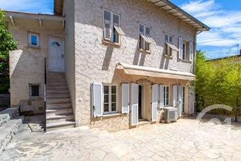 villa à Saint-Jean-Cap-Ferrat (06)
