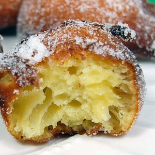 Zeppole (Italian Doughnuts).