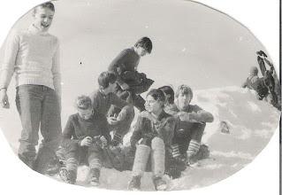 Photo: Harcerska Akcja Zimowa Zakopane 1984r. - na szczycie Nosala Od lewej: Mariusz Szymański, Ewa Przesmycka, Mariusz Deniszczuk, Irek Przybyszewski, Ewa Jaroszuk ( Popowska), Iza Popowska (Szymańska), Jacek Kuch