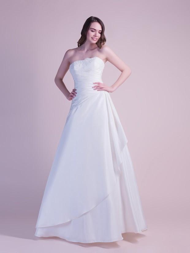 Robe de mariée Danaée, robe de mariée pas cher, robe de mariée tout en simplicité, taffetas et dentelle