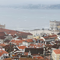 Acquerugiola dell'Atlantico su Lisbona di