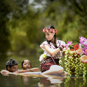 the journey by Maybelle Blossom Dumlao-Sevillena - People Family ( maybelledumlaosevillena, portraits, nikon, passion, philippines )