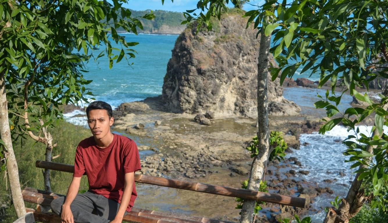 Pantai watu lumbung gunungkidul