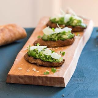Avocado and Thyme Pesto Tartines Recipe