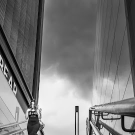 Viene una tormenta by Bogdan Rusu - Black & White Street & Candid ( rain, storm, stairs, block, achitecture )