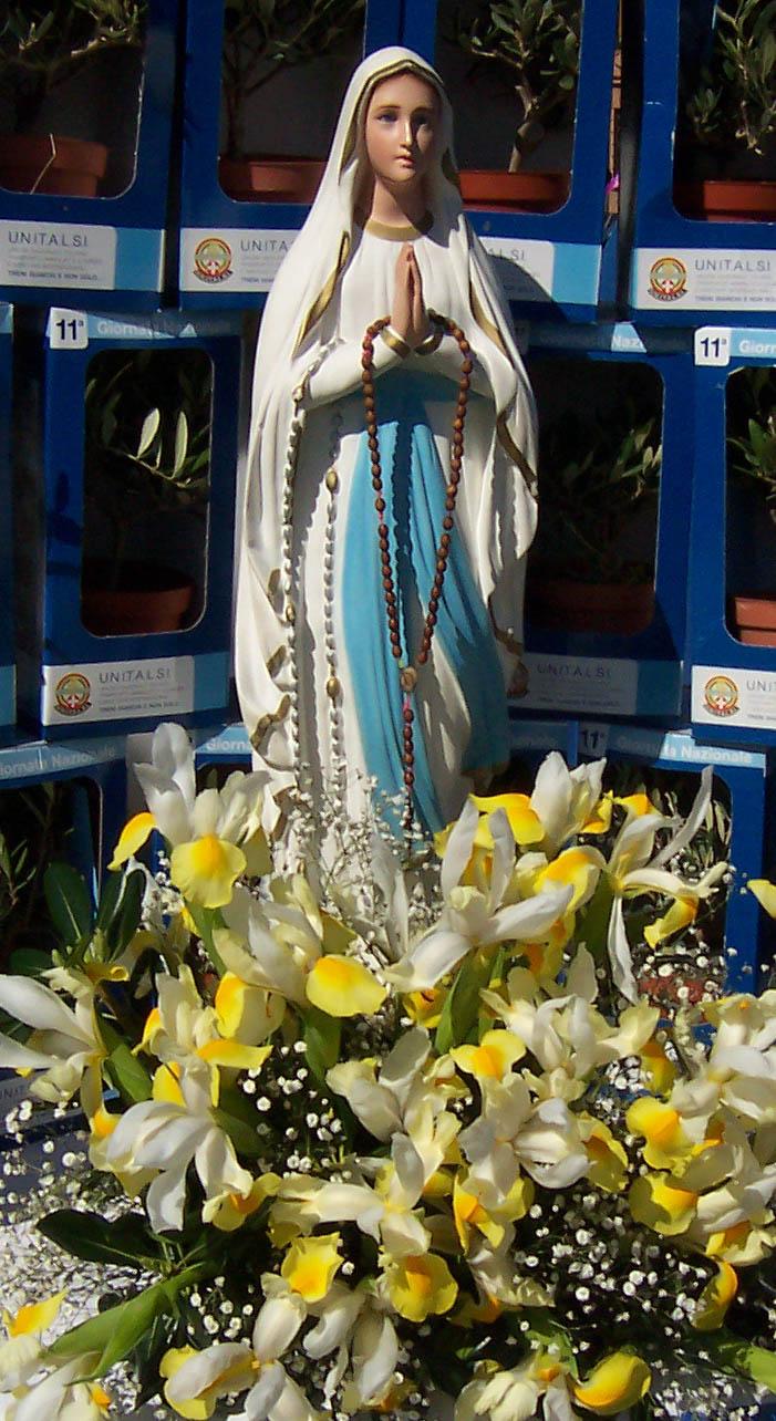Maggio: il mese del Rosario di Antonio De Felice