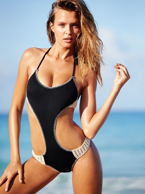 Ảnh bikini Josephine Skriver mẫu trẻ VIC
