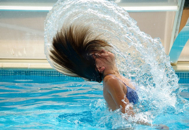 swimmers-heads-up_image