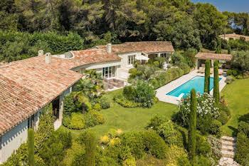 Villa 10 pièces 371,85 m2