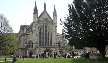 Photo: WEST FRONT WINCHESTER CATHEDRAL   http://www.winchester-cathedral.org.uk/