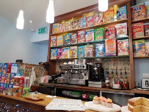 Café / Bar - Tiny Rick's Cafe