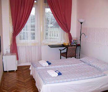 Europa Centerpoint Guesthouse