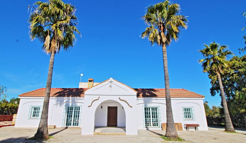 Propriété avec piscine et jardin Carmona