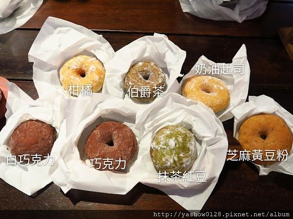 haritts甜甜圈、咖啡~~來自東京的好吃甜甜圈,軟Q好嚼不甜膩,值得嚐鮮,而且每人只限購5個喔~~就在勤美綠園道附近的中興街巷弄裡~~