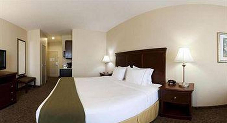 Holiday Inn Express Hotel & Suites Cedar Hill