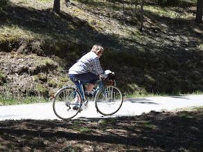 Photo: ombre et lumière sur une star du cyclotourisme