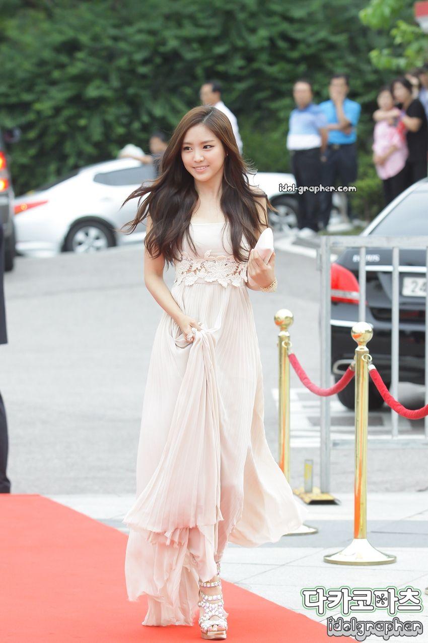 naeun gown 12