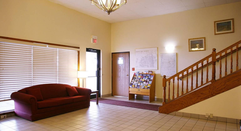 Red Carpet Inn - Omaha