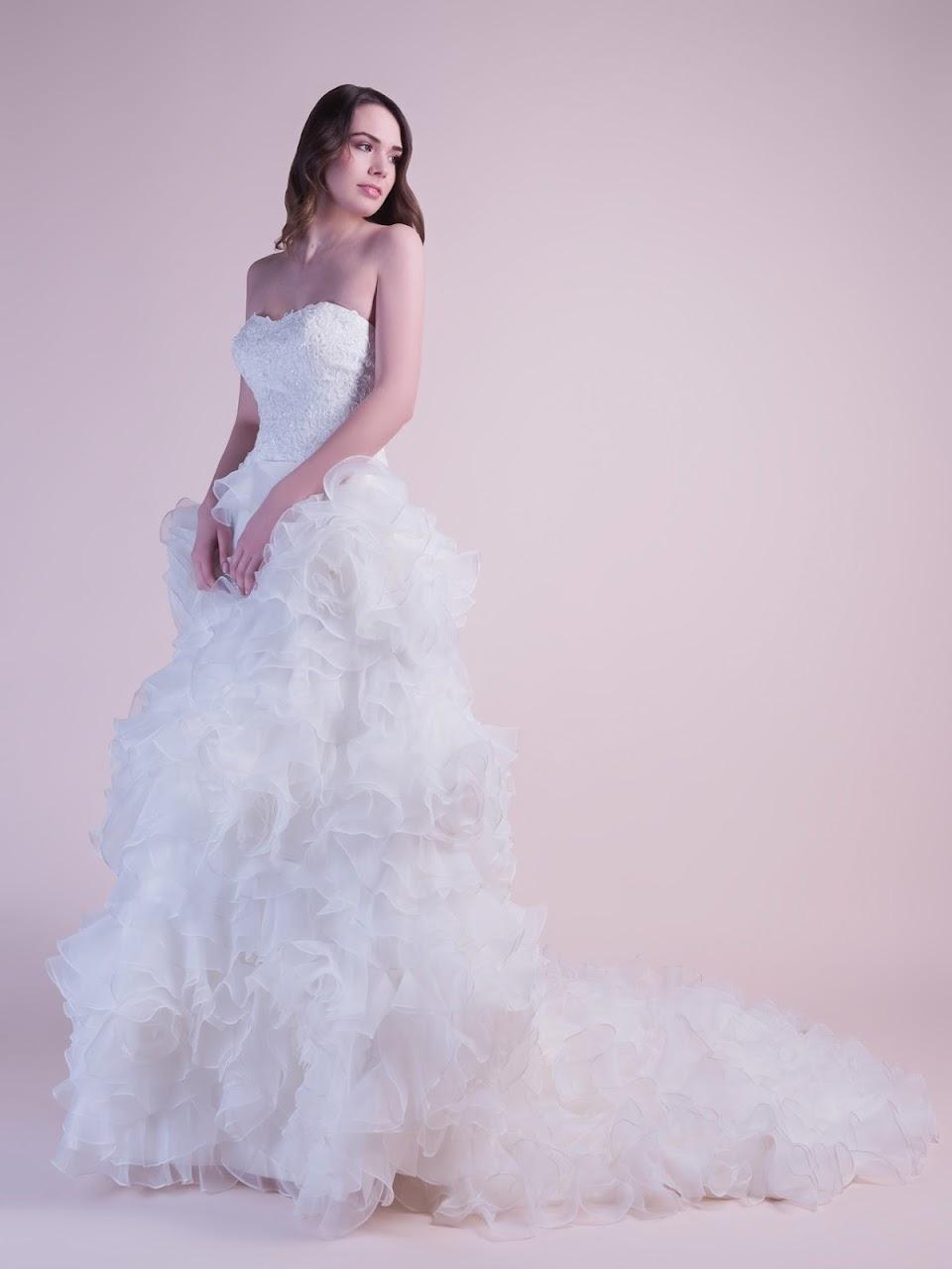 robe-de-mariee-delphine-transformable-en-robe-de-mariee-courte-en-moins-de-cinq-secondes