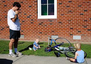 Photo: Dad had babysitting duty while Mom road