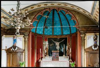 Photo: Im Jahr 1887 erhielt die 1662 errichtete Dorfkirche St. Theresia auf Nordstrand bei einer Grundrestaurierung die jetzige Gestalt.