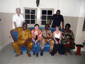 Photo: accueillis par nos fidèles amis béninois.