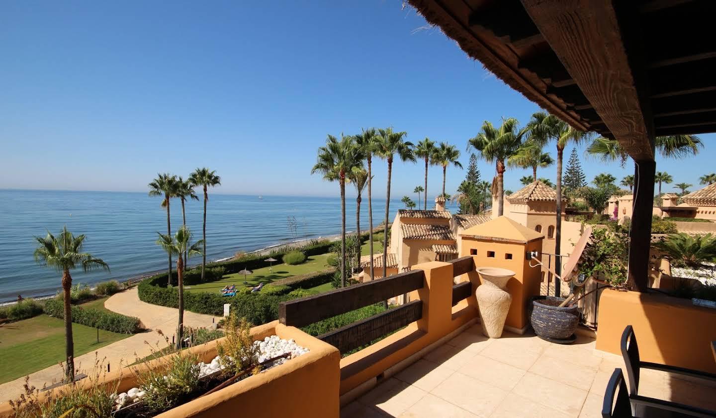 Appartement avec terrasse et piscine Atalaya Isdabe