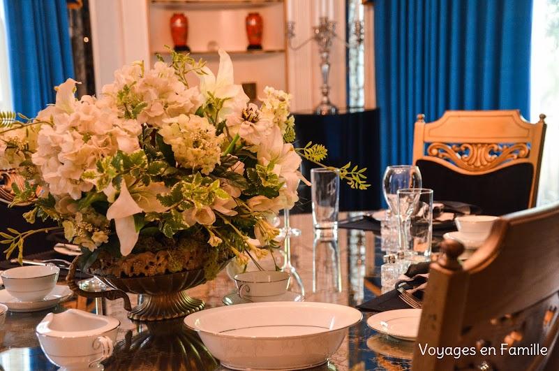 Elvis dining room - Graceland
