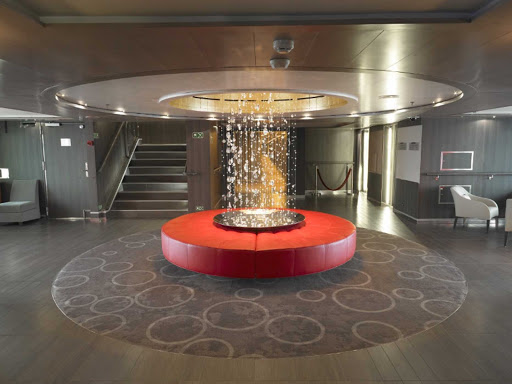 Ponant-LeBoreal-reception.jpg - The classy Reception area on Le Boreal, a Ponant ship.