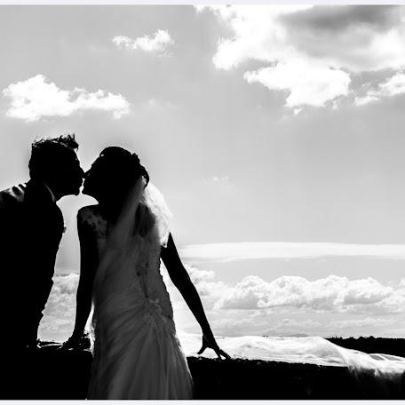 Wedding photographer Vincenzo Capozzi (ViZiphoto). Photo of 08.04.2017