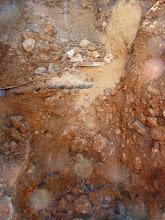 Photo: oben ums Eck rum, die Wasserleitung hier muss dann der Bagger noch viel aufgraben.